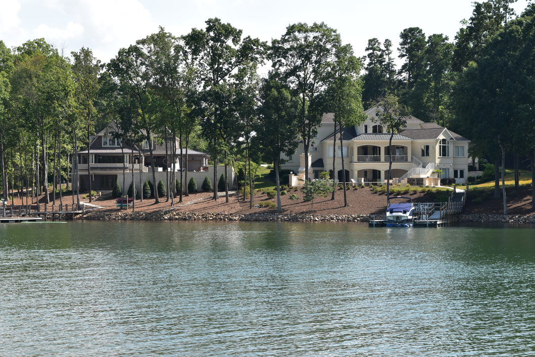 Troutman Nc Waterfront Homes For Sale