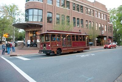 Davidson Trolley In Front Of Flatiron