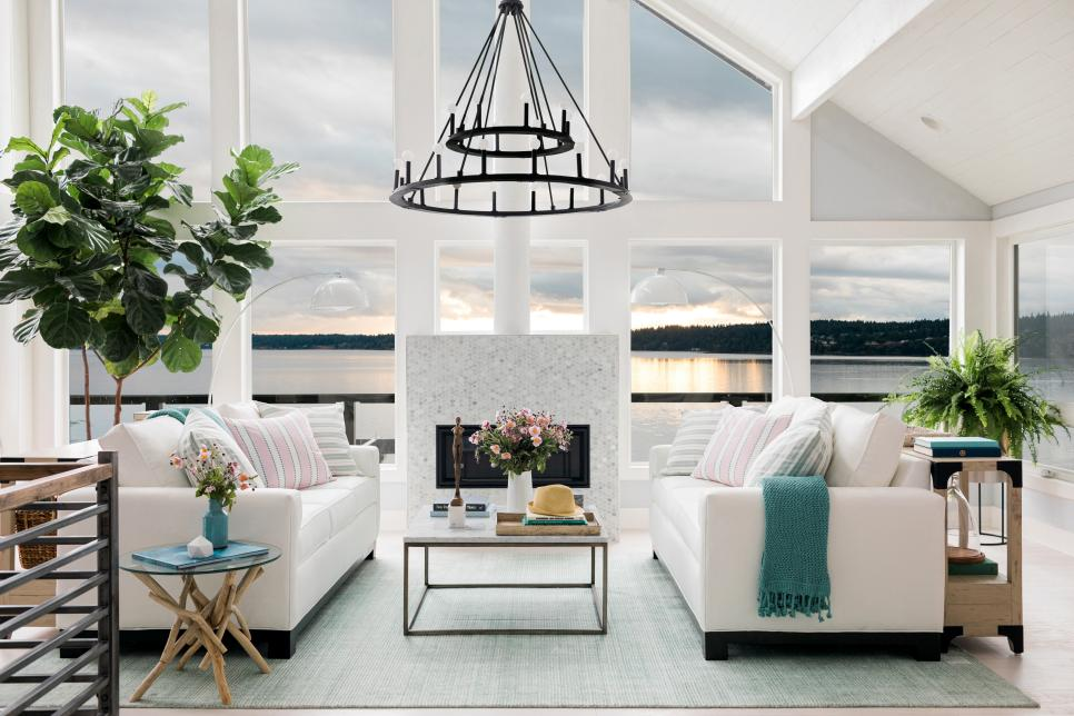 2018-hgtv-dream-home-great-room-1