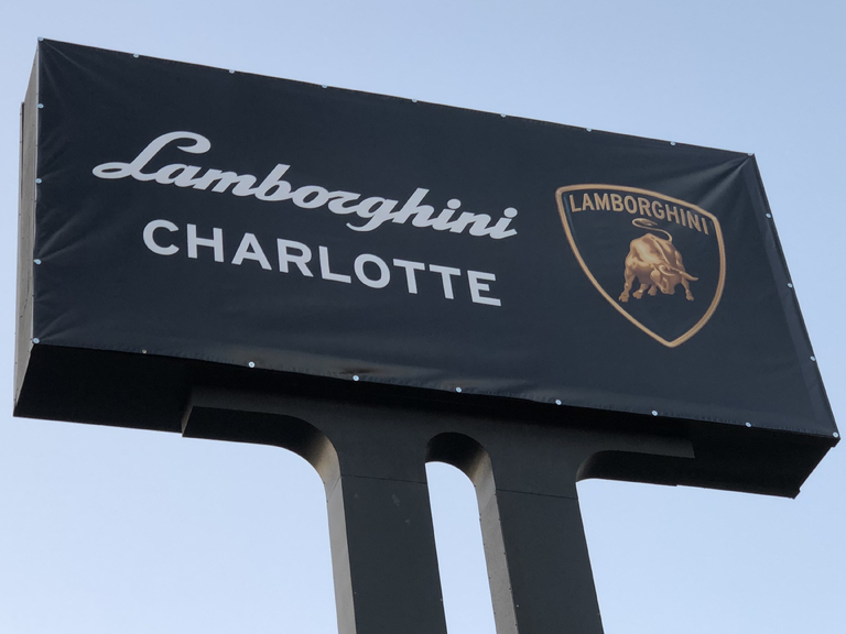 lamborghini-carolinas-charlotte-opening-sign