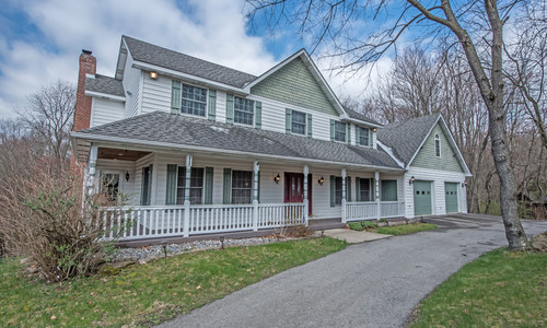 Amazing 2 story home in Penn Trafford Schools w/ 2 acres of land; 103 Davidson lane Jeannette PA 15644