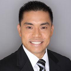Andrew Leong (R)
