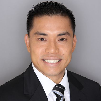 Andrew Leong (R)