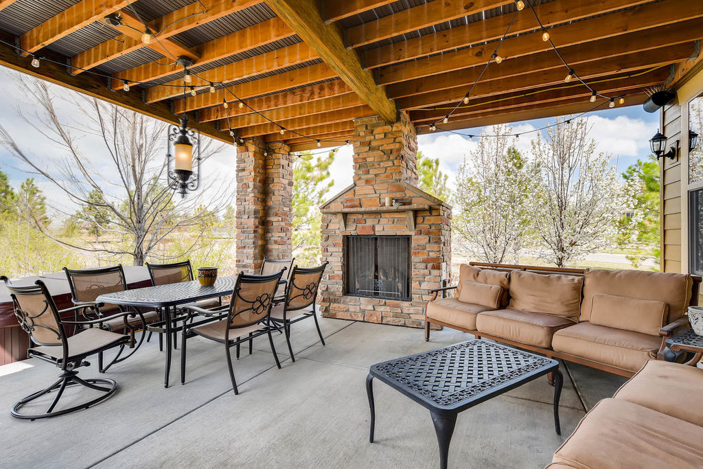 1-flowerburst-dr-littleton-co-large-034-25-patio-1500x1000-72dpi