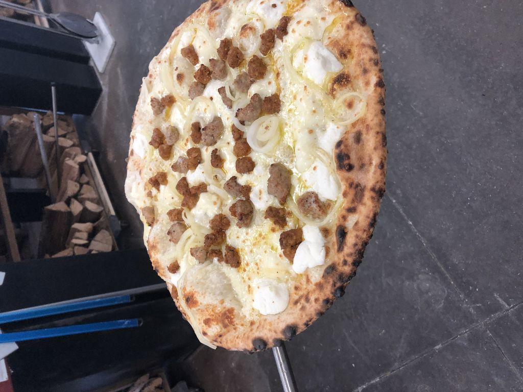 sausage italian pizza