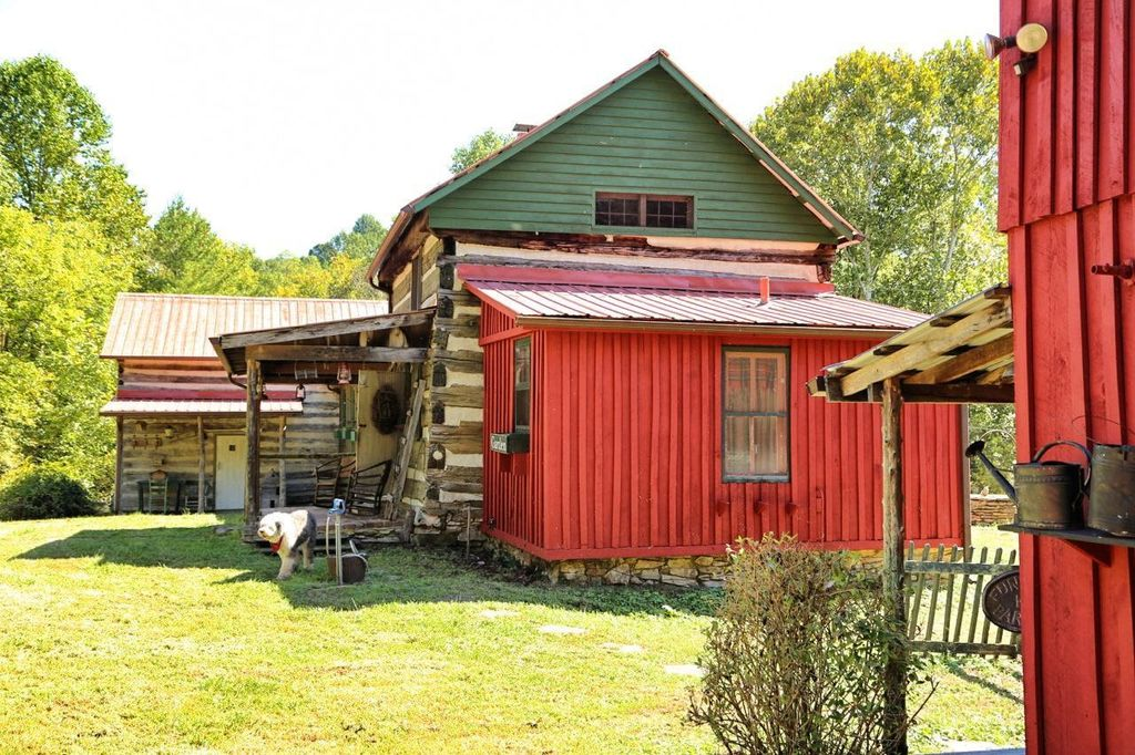 artist-retreat-log-cabin-for-sale-in-kentucky-ccf-100-18