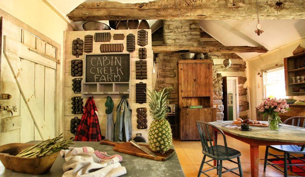 artist-retreat-log-cabin-for-sale-in-kentucky-ccf-100-53