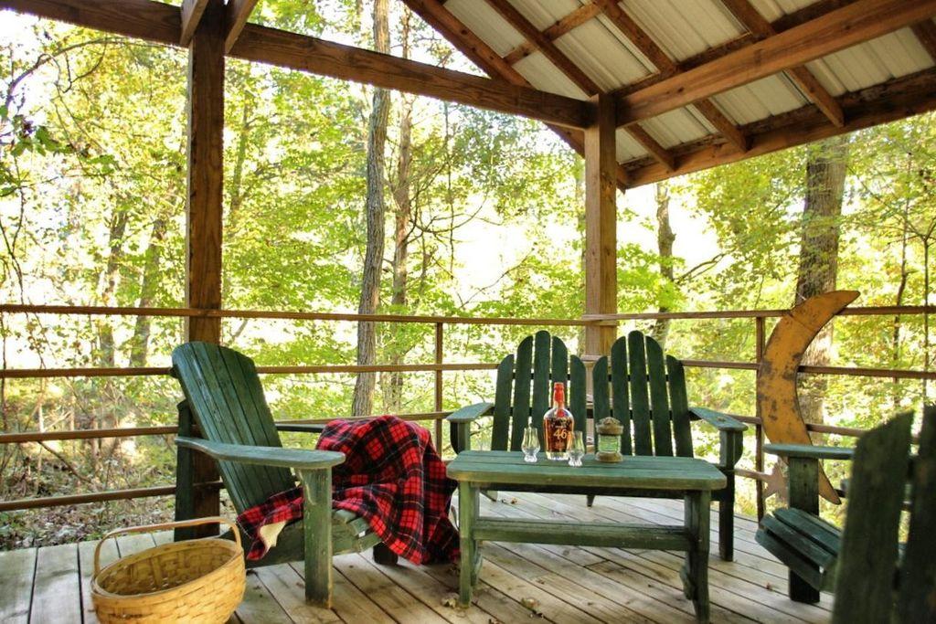 artist-retreat-log-cabin-for-sale-in-kentucky-ccf-100-72