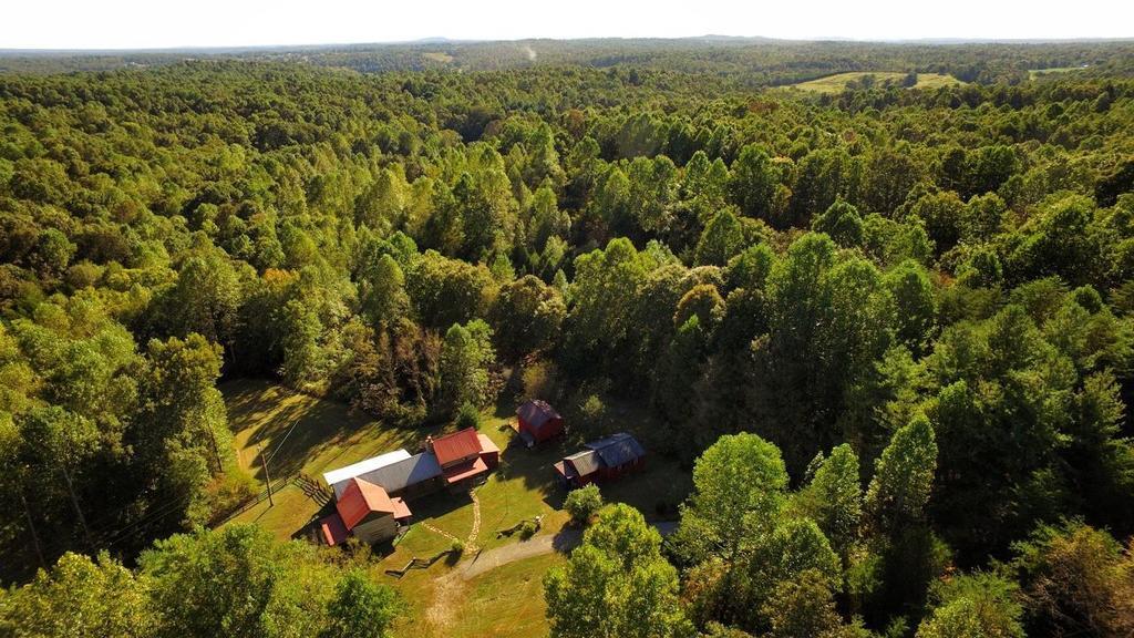 artist-retreat-log-cabin-for-sale-in-kentucky-ccf-100-77
