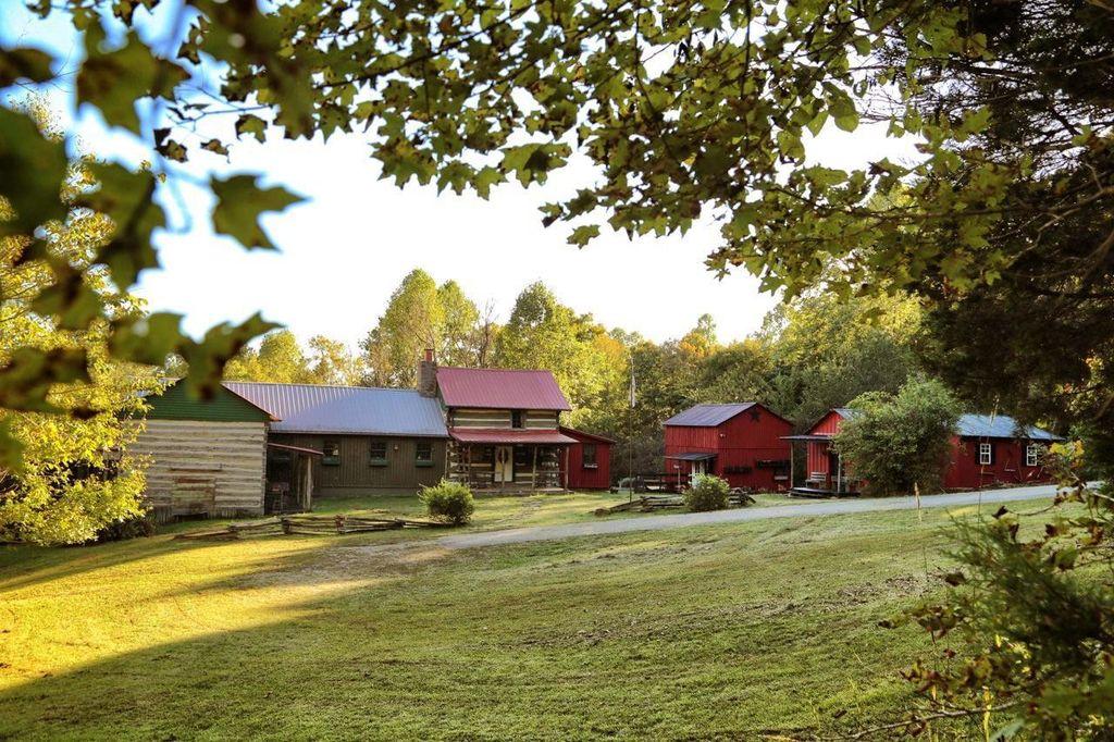 artist-retreat-log-cabin-for-sale-in-kentucky-ccf-100-97