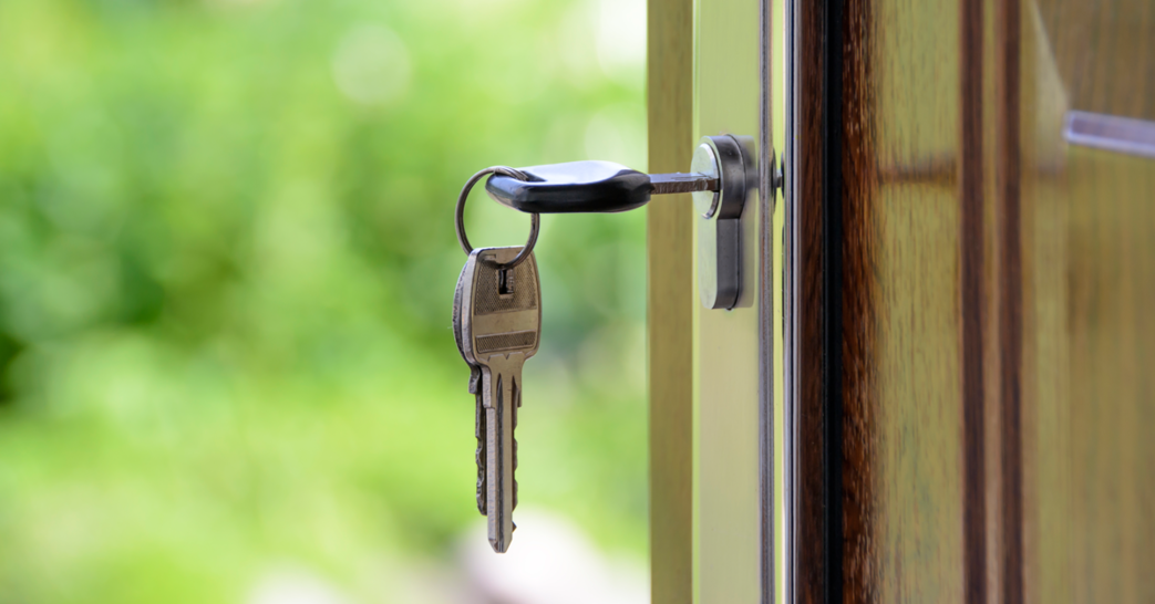 myth-buying-home