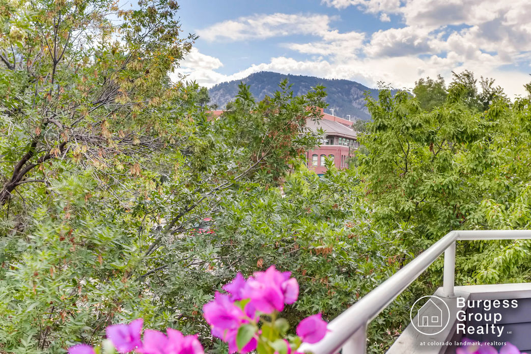 branded_1529-spruce-st-unit-8-boulder-print-022-31-views-2700x1799-300dpi