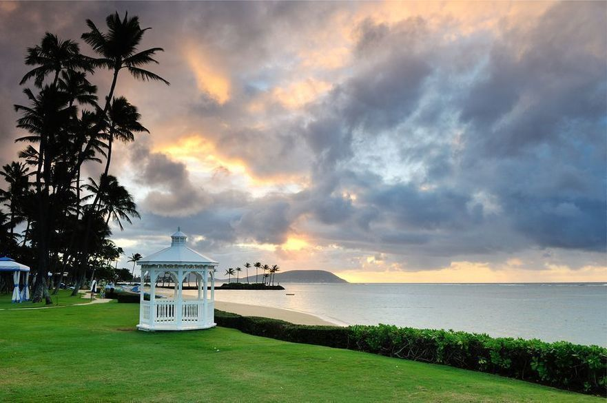 """http://choicehi.com/waikele-and-waipio-gentry-neighborhood-spotlight/"""