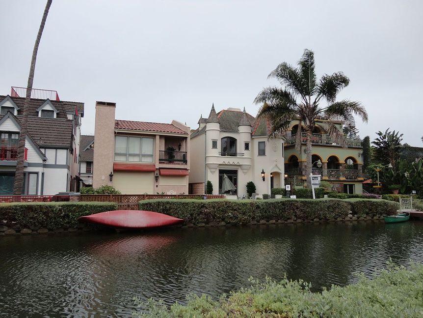 Venice_Canals_Los_Angeles_California,_Sept_2011