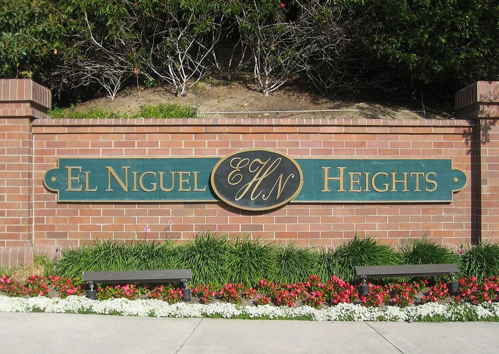 laguna hills chat sites Wonderful nellie gail ranch location on quiet cul-de-sac in laguna hills exceptionally high ceilings and unusual accents make this a dramatic home the spacious two-level floor plan.