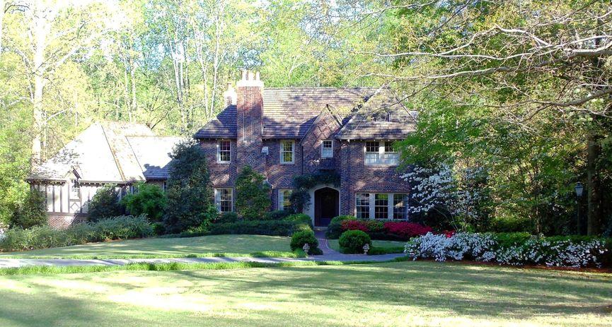 Mountain Brook AL homes for sale Springtime image