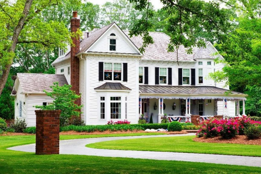 traditional home in Oak Brook Illinois