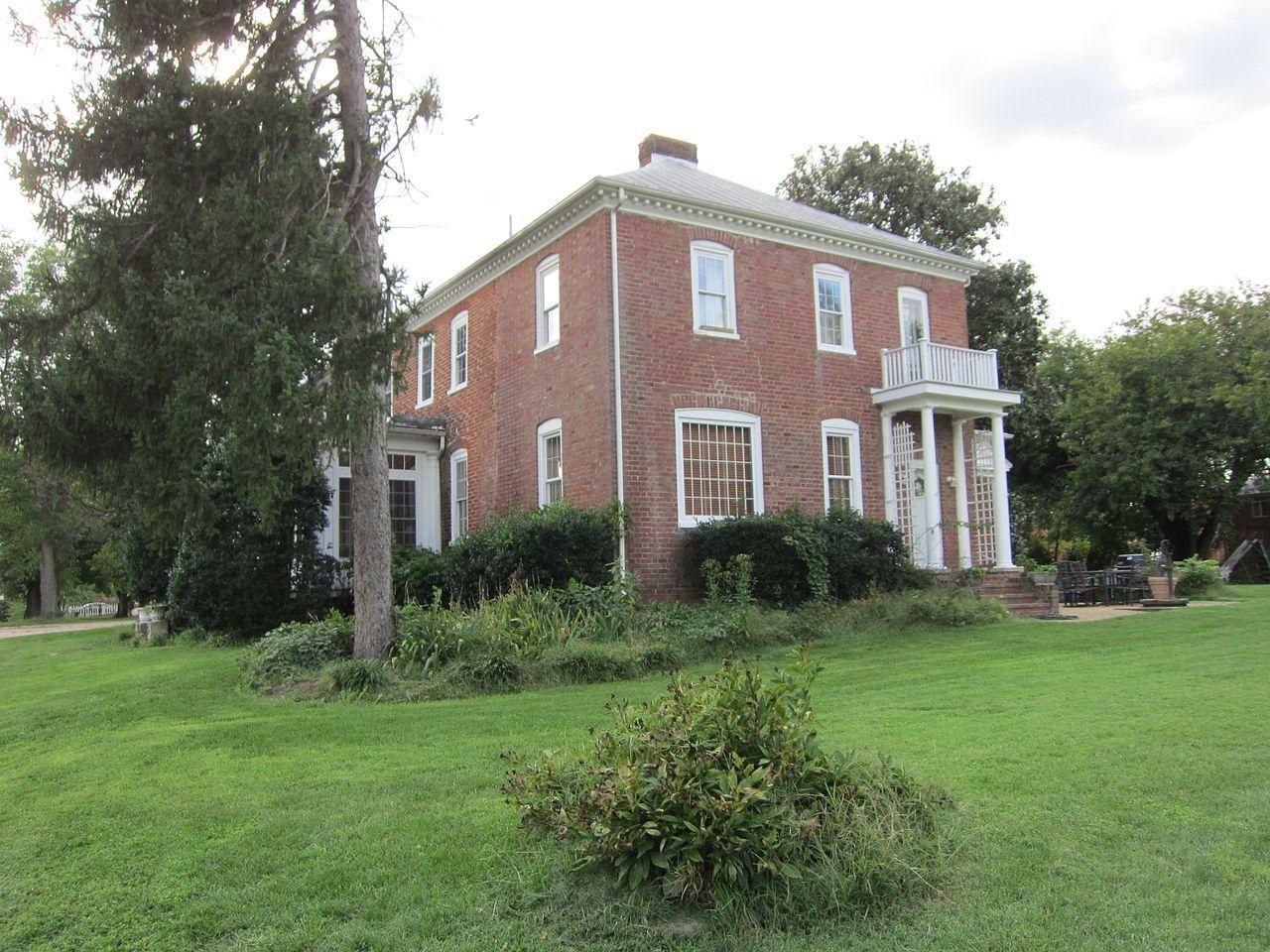 Henderson_House