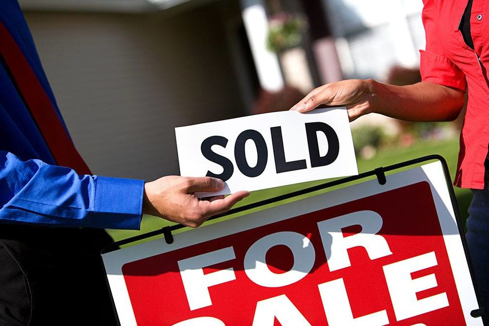 buying_a_new_home_in_a_hot_real_estate_market_here_are_4_tips_you_will_need_to_be_successful