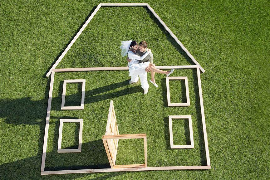 newlywed-couple-house-Orange-County