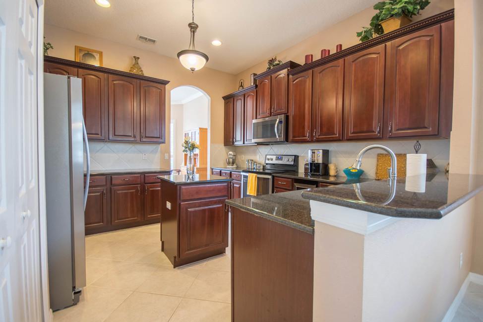 "42"" Cherry Cabinets, Granite, SS Appliances"