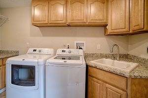 14710-se-262nd-st-kent-wa-utility-room