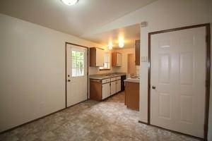 6511-6513-5th-street-ne-tacoma-98422-15