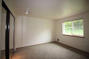 6511-6513-5th-street-ne-tacoma-98422-16