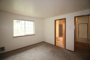 6511-6513-5th-street-ne-tacoma-98422-17