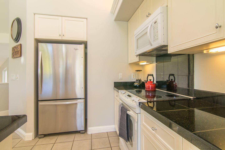 vop33_07-kitchen