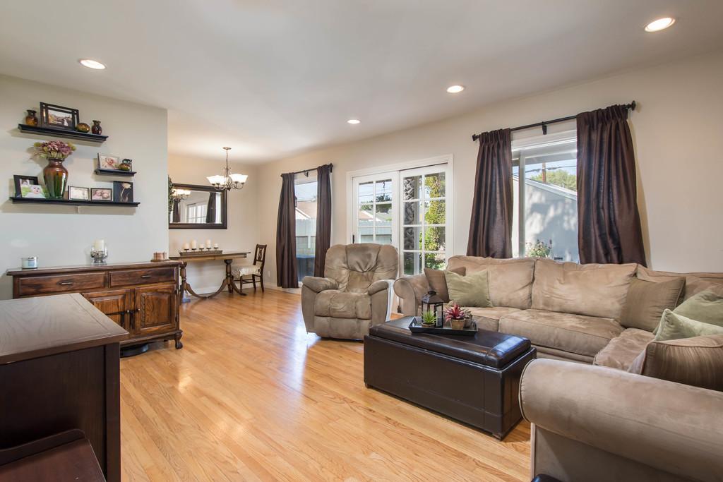 livingroom_hi-res-10033643
