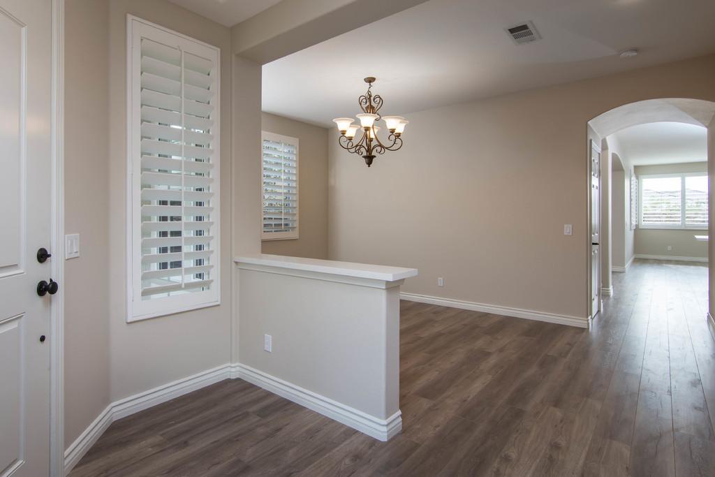 diningroom_hi-res-10034169