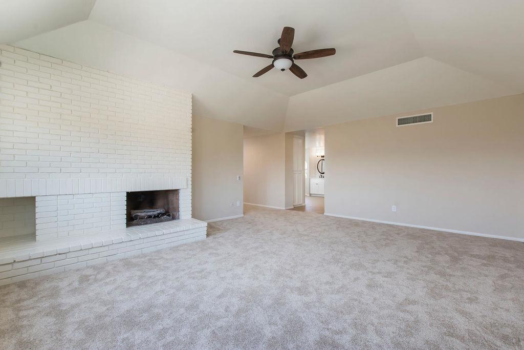 21948-parvin-santa-clarita-ca-large-023-33-master-bedroom-1500x1000-72dpi
