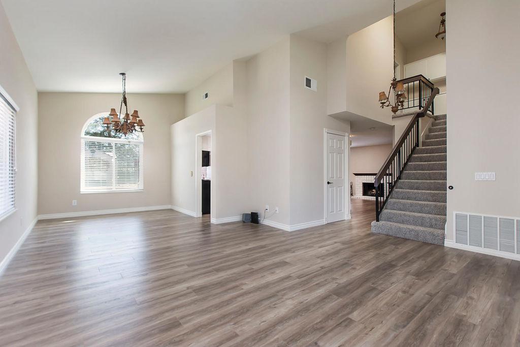 22538-cardiff-dr-santa-clarita-large-004-6-living-room-1500x1000-72dpi