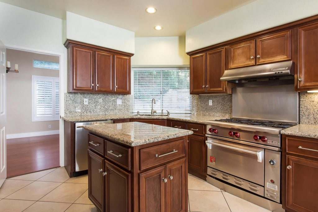 23808 Valley Oak Ct Newhall CA-large-012-22-Kitchen-1500x1000-72dpi