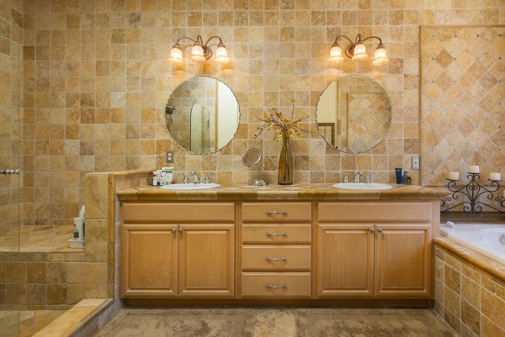 28817 Silkwood Ct Santa-large-015-22-Master Bathroom-1500x1000-72dpi