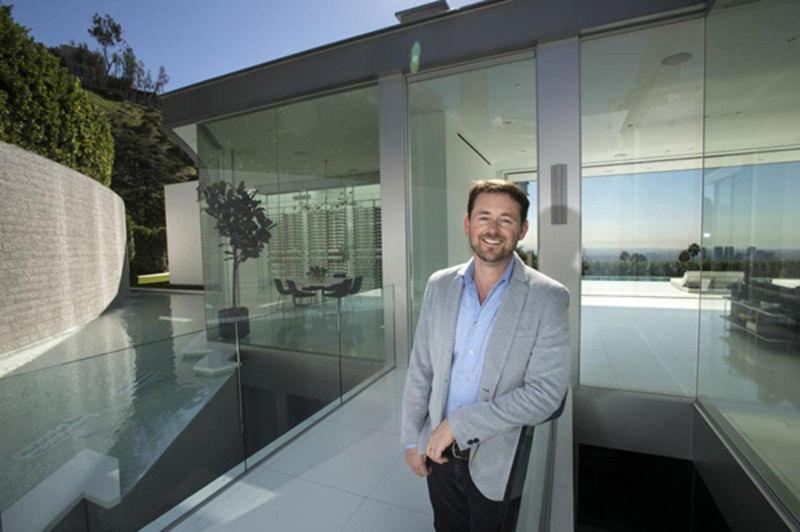 """http://luxuryrealestatepreview.com/luxury-real-estate-blog/"""