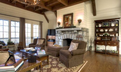 525-high-mountain-dr-cashiers-nc-living-room-in-mountaintop-golf-and-lake-club
