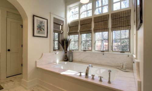 525-high-mountain-dr-cashiers-nc-master-bath-view-2-in-mountaintop-golf-and-lake-club