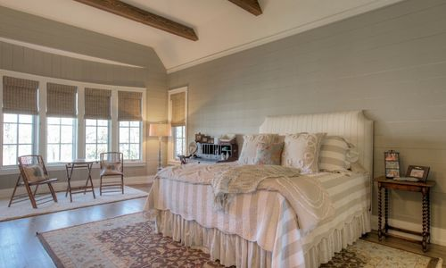 525-high-mountain-dr-cashiers-nc-master-bedroom-in-mountaintop-golf-and-lake-club