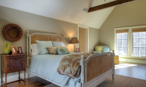 525-high-mountain-dr-cashiers-nc-upstairs-bedroom-1-in-mountaintop-golf-and-lake-club