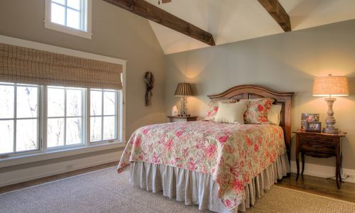 525-high-mountain-dr-cashiers-nc-upstairs-bedroom-3-in-mountaintop-golf-and-lake-club