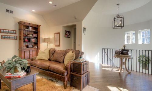 525-high-mountain-dr-cashiers-nc-upstairs-family-room-view-2-in-mountaintop-golf-and-lake-club