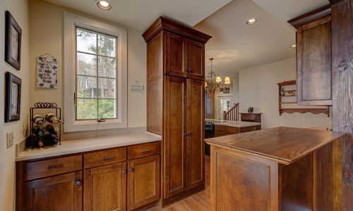 945-brushy-face-highlands-nc-kitchen-view-4