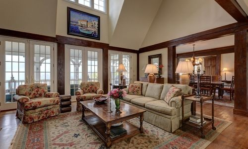 945-brushy-face-highlands-nc-living-room-view-2