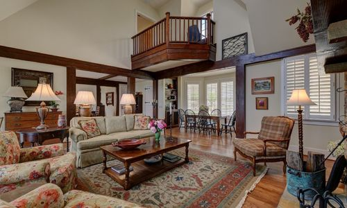 945-brushy-face-highlands-nc-living-room-view-3
