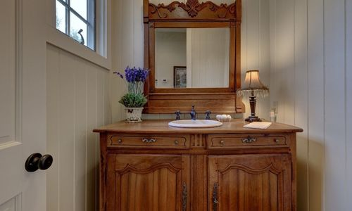 945-brushy-face-highlands-nc-powder-room