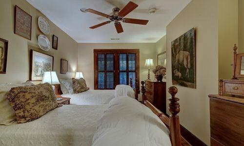 2930-walhalla-road-highlands-nc-bedroom-3