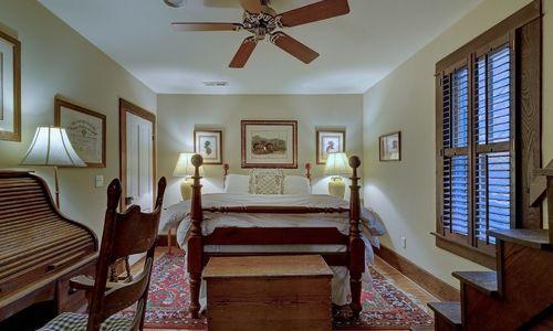 2930-walhalla-road-highlands-nc-bedroom-5