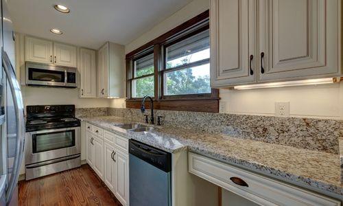 3061-dillard-rd-highlands-nc-kitchen-v2